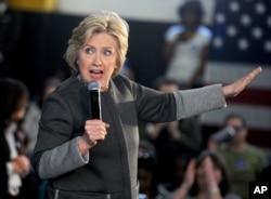 Cựu Ngoại trưởng Hillary Clinton trong một cuộc vận động ở New York ngày 5/4/2016.