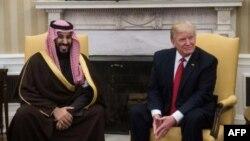 Donald Trump et Mohammed ben Salmane dans le Bureau ovale à Washington le 14 mars 2017 ( AFP/Archives / NICHOLAS KAMM )
