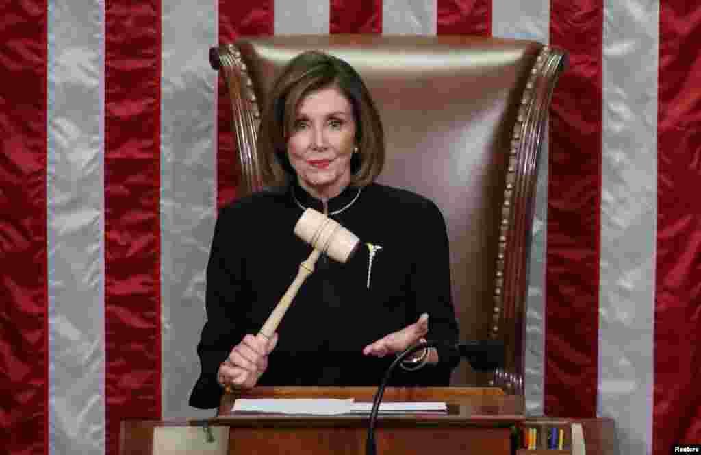 صدر ڈونلڈ ٹرمپ کے خلاف مواخذے کی منظوری اسپیکر نینسی پیلوسی نے ایوان نمائندگان میں دی۔