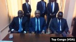 Le président de l'Assemblée nationale, Aubin Minaku, à gauche, le Premier ministre Samy Badibanga, au centre, et le Directeur de cabinet du président Joseph Kabila, Néhémie Mwilanya, présents au lancement du dialogue politique, à Kinshasa, RDC, 8 décembre 2016.