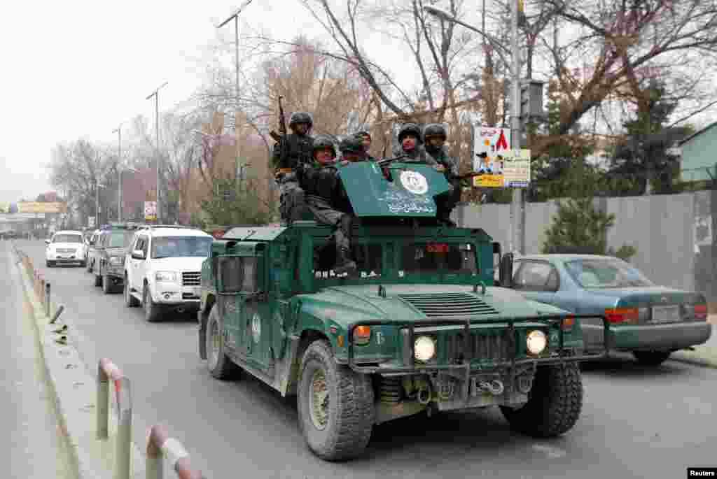 سکیورٹی حکام کا کہنا تھا کہ افغان فورسز اور انسداد دہشت گردی کے یونٹس فوری طور پر جائے وقوع پر پہنچ گئے۔