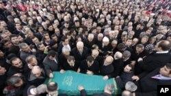 برگزاری مراسم تشییع جنازه اولین صدراعظم اسلام گرای ترکیه