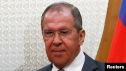 El Ministro de Asuntos Exteriores de Rusia, Sergei Lavrov dijo que el presidente de EE.UU., Donald Trump respondió a una oferta de Putin de introducir una moratoria sobre el desarrollo de misiles prohibidos por el Tratado de las Fuerzas Nucleares Intermedias (INF). Reuters.