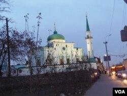 鞑靼斯坦首府喀山市的一处清真寺(美国之音白桦)。
