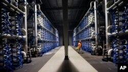La planta de desalinización en San Diego, California, es la más grande en Norte América.