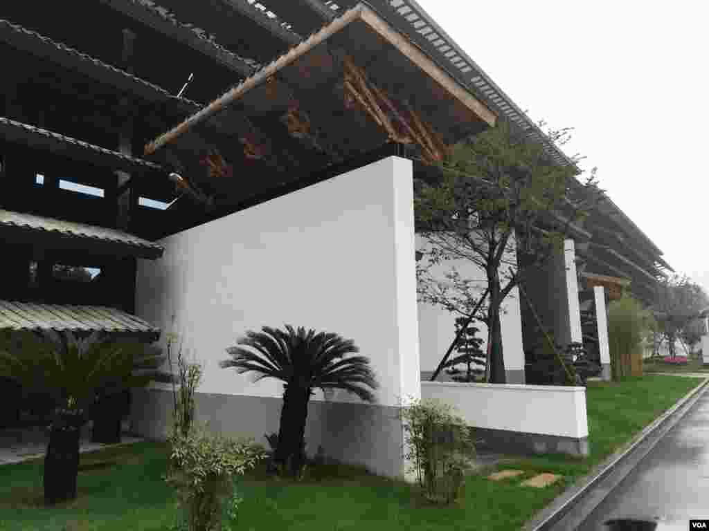新建的会展中心是本届大会主会场。(美国之音叶兵拍摄)