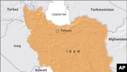 Angkatan Laut Amerika Serikat hari Sabtu (9/1) melansir video yang katanya memperlihatkan kapal-kapal militer Iran menembakkan roket di dekat sebuah kapal induk Amerika.