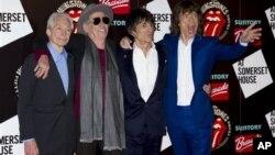 S leva, Čarli Vots, Kit Ričards, Roni Vud i Mik Džeger u Londonu pred proslavu 50. godišnjice od prvog nastupa, 12. jul 2012.