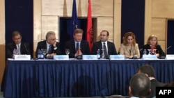 Shqipëri: Fyle i bën thirrje polikës dhe shtetit për kompromis në çështjet zgjedhore