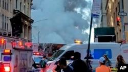 Alcalde de Nueva York De Blasio dijo que podría tomar días revisar y limpiar los edificios, que incluyen 28 en la zona más cercana al sitio del incidente que dejó un cráter de unos 6 x 4,5 metros (20 x 15 pies) en la calle.