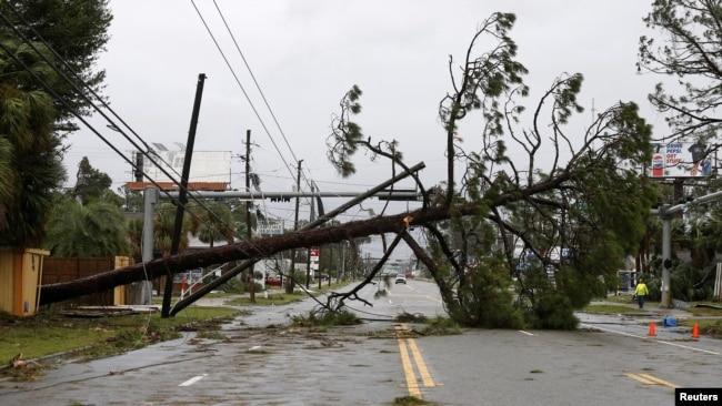 Resultado de imagen para EE.UU: Huracán Michael deja estela de destrucción en Florida y Georgia