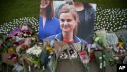 Džo Koks, britanska poslanica ubijena 16. juna 2016. u svojoj izbornoj jedinici