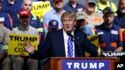 La campaña de Hillary Clinton negó las acusaciones del magnate inmobiliario.