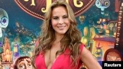 """La actriz Kate del Castillo es ahora requerida por la Procuraduría General de México para que declare sobre su encuentro con """"El Chapo""""."""