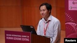 Ông Hạ Kiến Khuê tại hội nghị về chỉnh sửa gien người ở Hồng Kông, 28/11/2018