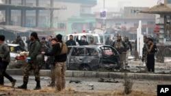 دغه موټر بم چاودنه تېره ورځ په ولسي جرګه کې د کابل دخلکو د استازي خان محمد وردګ د موټرو په کاروان شوې وه.
