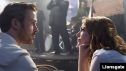 «اما استون» و «رایان گاسلینگ» در فیلم موزیکال «لا لا لند» از «دمیین چزل»