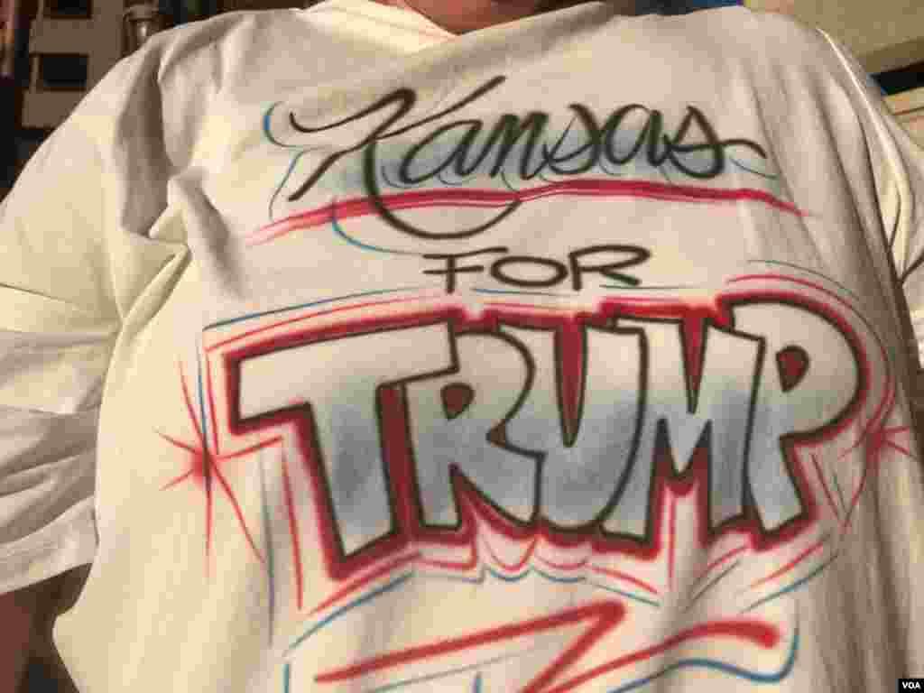 La visita de Trump a Arizona será su primer evento político de importancia desde que estalló la controversia por su reacción a la violencia racista en Charlottsville, Virginia.