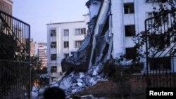 30일 중국 광시 자치구에서 연쇄 폭발이 발생해 건물이 무너졌다.