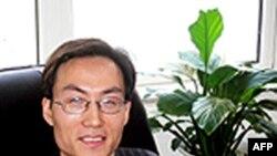 Luật sư Lý Phương Bình mất tích từ hôm thứ sáu sau khi gọi điện thoại báo cho vợ biết rằng các nhân viên an ninh của nhà nước đang đợi ông