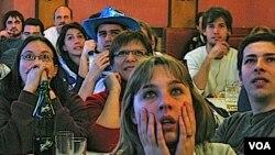 Cuando Uruguay se acercaba a la puerta del gol, las manos volaban a las cabezas y el grito se asomaba a los labios.