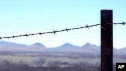 Fronteira não é limite ao envio de dinheiro. O envio de dinheiro por imigrantes ( legais e ilegais) às suas famílias nas terras de origem têm vindo a aumentar consistentemente