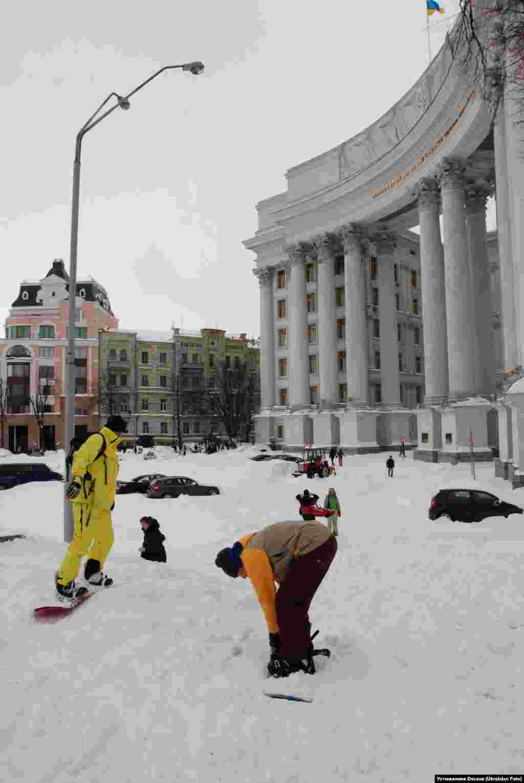 Снігопокаліпсис у Києві. Березень