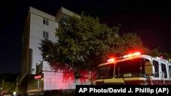 22 липня пожежники приїхали на виклик стосовно вогню у дворі консульства Китаю в Х'юстоні