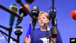 Kansela wa Ujerumani, Angela Merkel, akizungumza na waandishi wa habari. Juni 24, 2018.