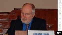 Fuller: 'Türk Politikasını İzlemek Heyecan Verici'