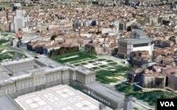 En Madrid se pueden ver lugares emblemáticos como el Palacio de la Moncloa o el Santiago Bernabeu.