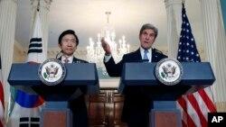 جان کری و «یون بیونگ- سه» وزرای خارجه آمریکا و کره جنوبی