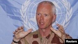 ژنرال نروژی رابرت مود ، رئیس هیأت ناظران سازمان ملل متحد در سوریه