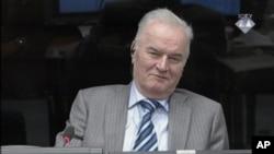 Mantan panglima militer Serbia-Bosnia Ratko Mladic muncul di Mahkamah Kejahatan Perang PBB di Den Haag, Selasa (28/1).