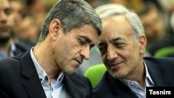 محمد ابراهیم امین، رئیس بیمه مرکزی ایران در کنار علی طیبنیا، وزیر اقتصاد