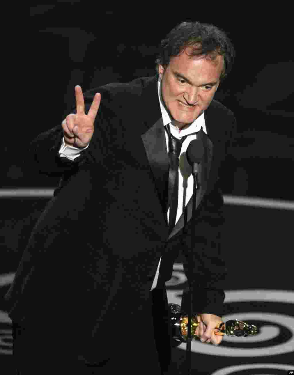"""Quentin Tarantino gana el Premio Oscar en la categoría Mejor Guión Original para la película """"Django Unchained""""."""