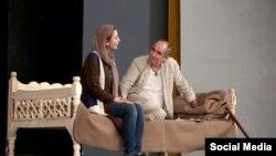 فرهاد آئیش بازیگر نقش محمد مصدق