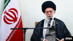 آیت الله علی خامنهای رهبر جمهوری اسلامی ایران