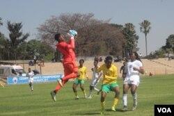 Badlala okujabulisayo abesifazana kumdlalo weCOSAFA Women's Championships.