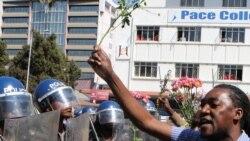 """Zimbabwe: les forces de sécurité sont """"en alerte maximum"""""""