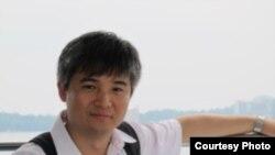 益仁平中心法人代表陆军(资料照片)