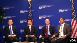 华盛顿智库美国进步中心研讨会,阿部信泰(左一)