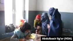Pemilihan Presiden di Afghanistan berlangsung relatif aman hari Sabtu (5/4).