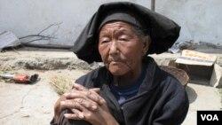 中国西部的贫穷农民 (美国之音张楠)