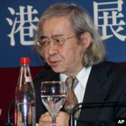 南方溯,台湾政论家和专栏作家