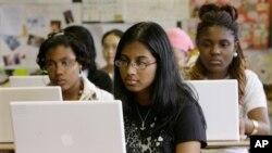 Panel pendidikan AS mengimbau perubahan besar-besaran dalam sistem pendidikan ilmiah di Amerika (foto: dok).