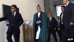 Həmid Karzay İrandan 975 min dollar pul alındığını təsdiqlədi