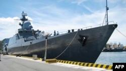 Chiếc Gepard đầu tiên được giao nhận hồi năm ngoái. Chiếc thứ nhì giao trong tháng 3 năm nay. Hải quân Việt Nam đặt tên cho hai chiếc tàu này là Đinh Tiên Hoàng và Lý Thái Tổ