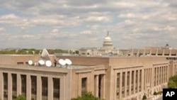 国际媒体美国之音大楼 侧后方是国会大厦