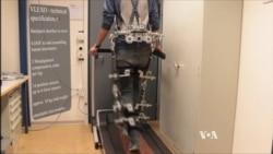 """""""Exoskeleton"""" หุ่นยนต์โครงกระดูกสำหรับผู้ป่วยอัมพาต"""